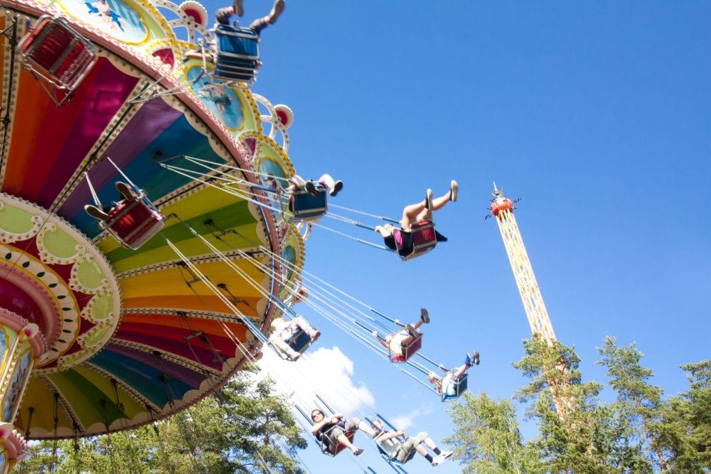 Une journée magique pour Alison et sa famille dans un parc d'attractions 1