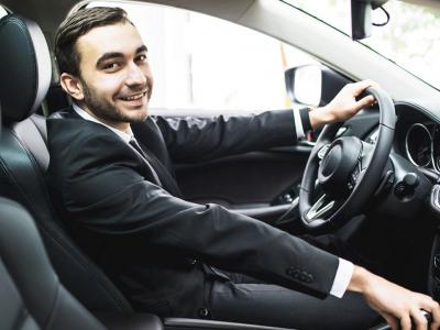 Omar-chauffeur-de-taxi